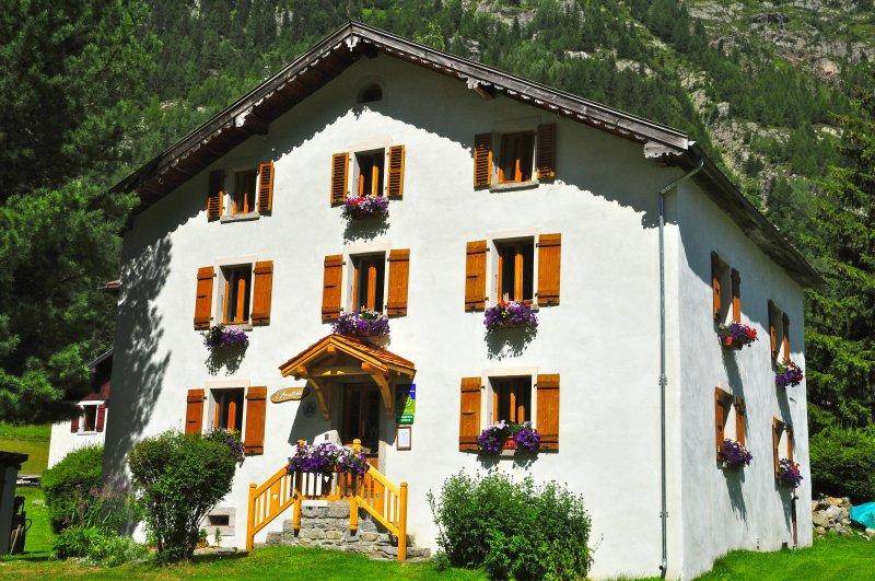Guide gites de france chambres d 39 h tes de charme 2012 for Guide chambre hote