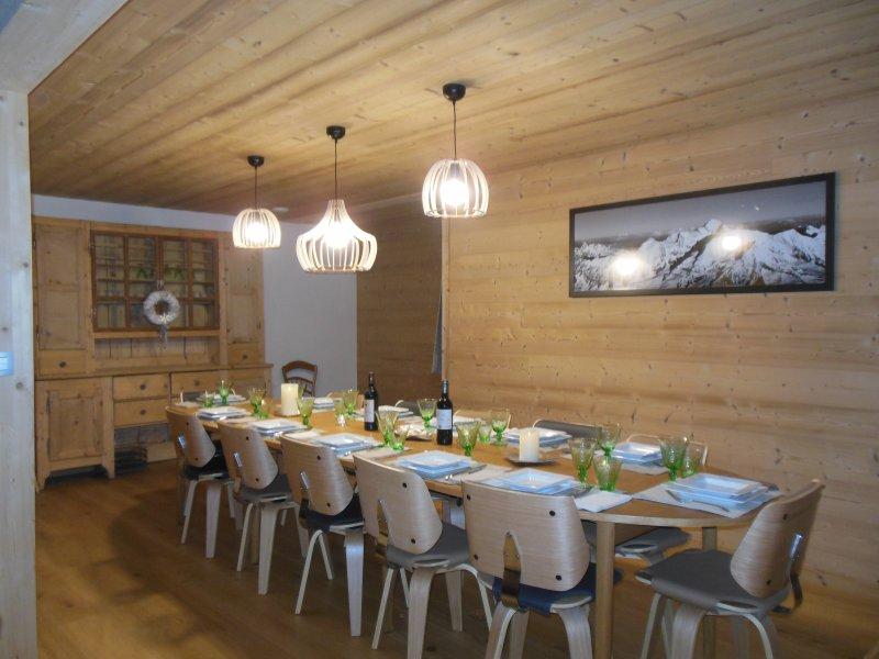 Prix de location du chalet walser vallorcine chalet l for Table de salle a manger 16 personnes