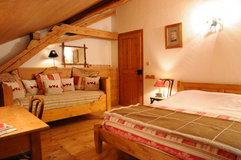 location de chalet vall e de chamonix chalet l 39 anatase. Black Bedroom Furniture Sets. Home Design Ideas